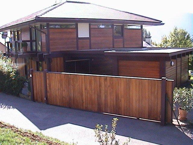 Perfect bien choisir son portail et sa clture en fonction des diffrents with fabriquer un - Fabriquer un portail de jardin en bois ...