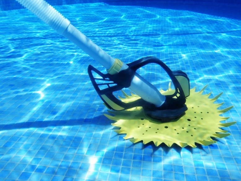 Aspirateur robot piscine aspirateur de piscine edg robot for Balai aspirateur piscine hors sol